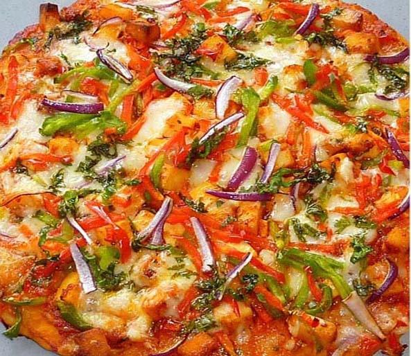 Desi Style Chilli Paneer Pizza