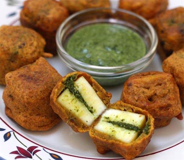 Stuffed Paneer Pakora (A Great Party Biting)